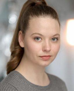 Natalie Welch's Actor Headshot