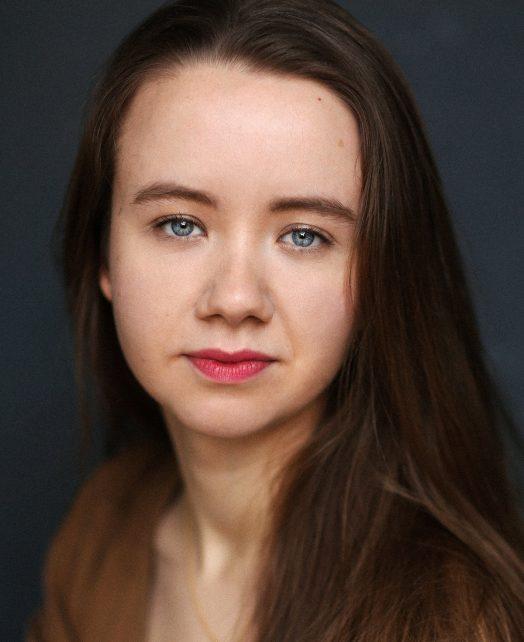 Emma Rowe's Actor Headshot
