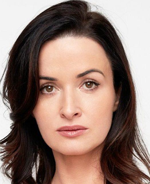 Lynette Callaghan's Actor Headshot